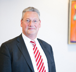 Mr. P.J.H. Vinke - Perrels Advocaten